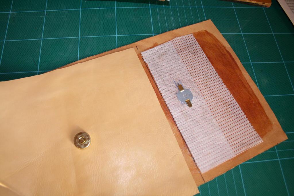 Montage des fermetures et renforts en fibre de verre